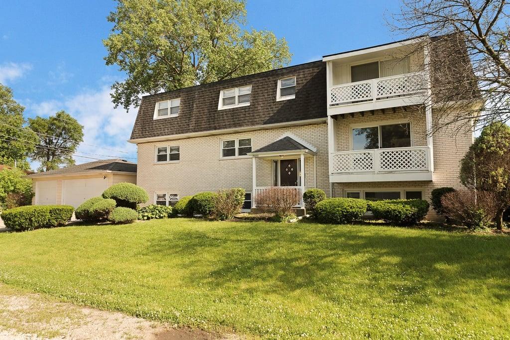 10601 S 81st Court -1 Palos Hills, IL 60465