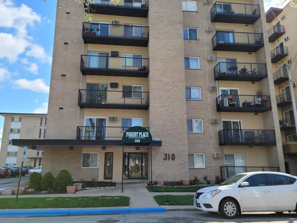 310 Lathrop Avenue -608 Forest Park, IL 60130