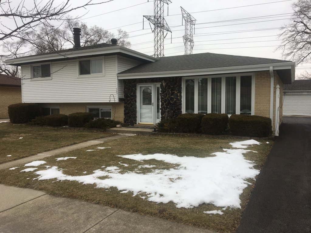 585 Gilbert Drive Wood Dale, IL 60191
