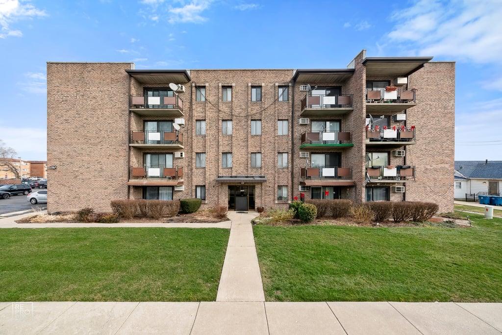 7945 S Oketo Avenue -306 Bridgeview, IL 60455
