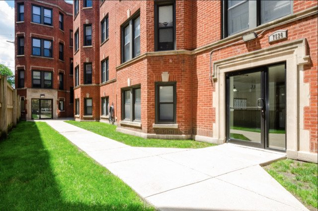 7526 N Seeley Avenue -B2 Chicago, IL 60645