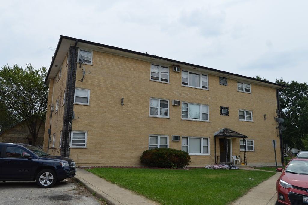 7745 Adams Street -1E Forest Park, IL 60130