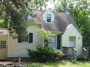 1025 W Plainfield Road La Grange Highlands, IL 60525