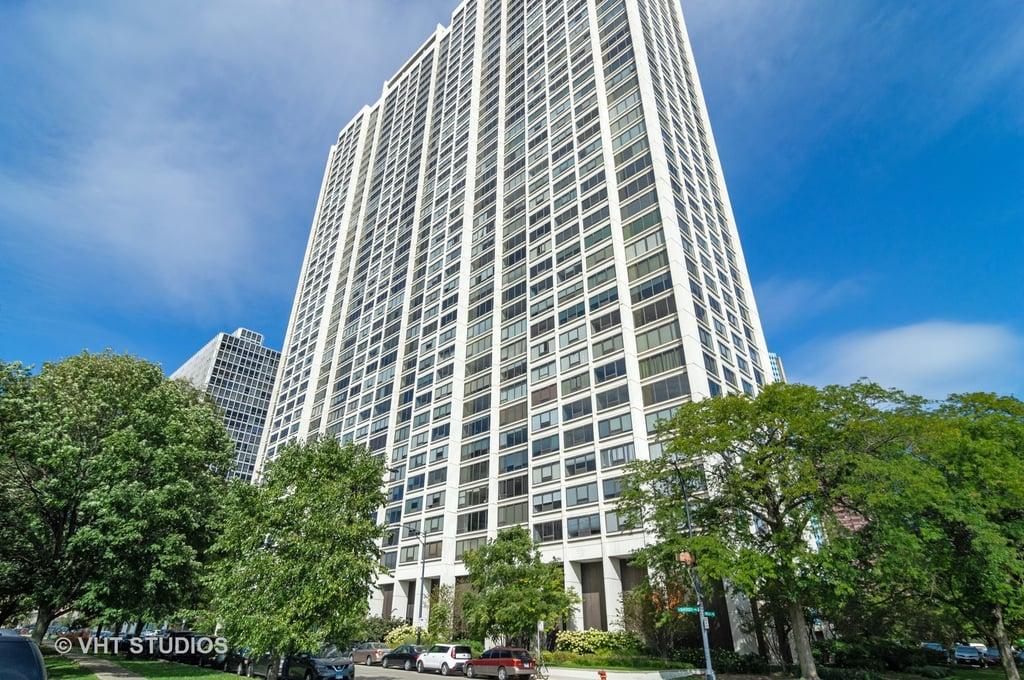 2800 N Lake Shore Drive -4203 Chicago, IL 60657