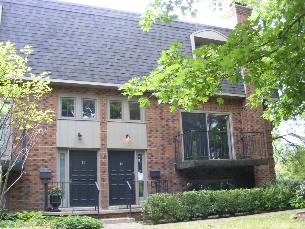 1111 S Waukegan Road -12 Lake Forest, IL 60045