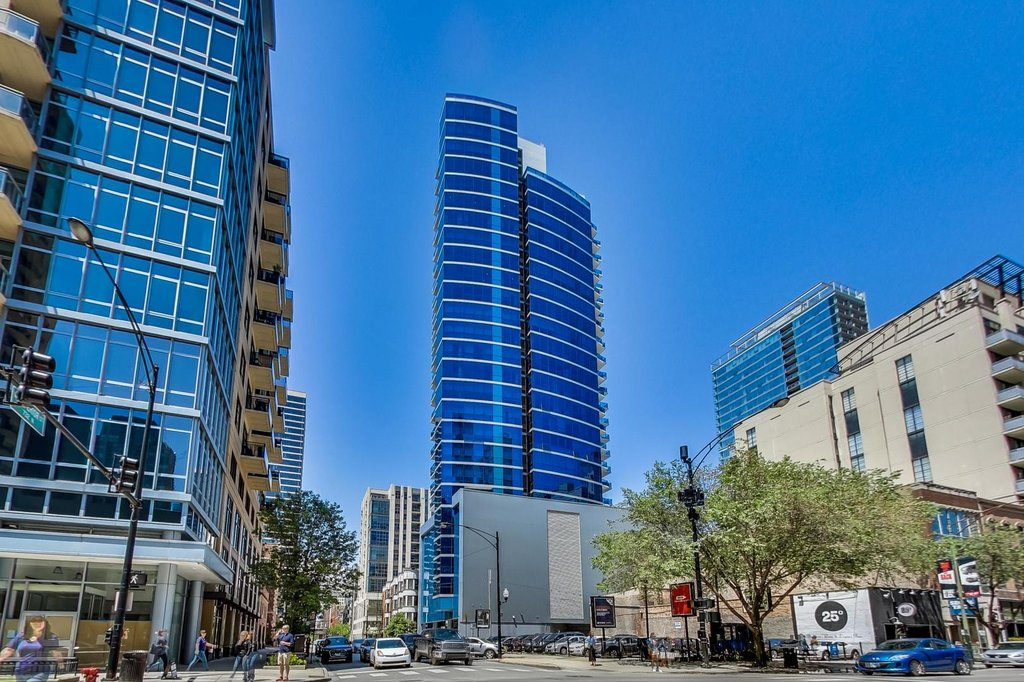 110 W SUPERIOR Street -1703 Chicago, IL 60654