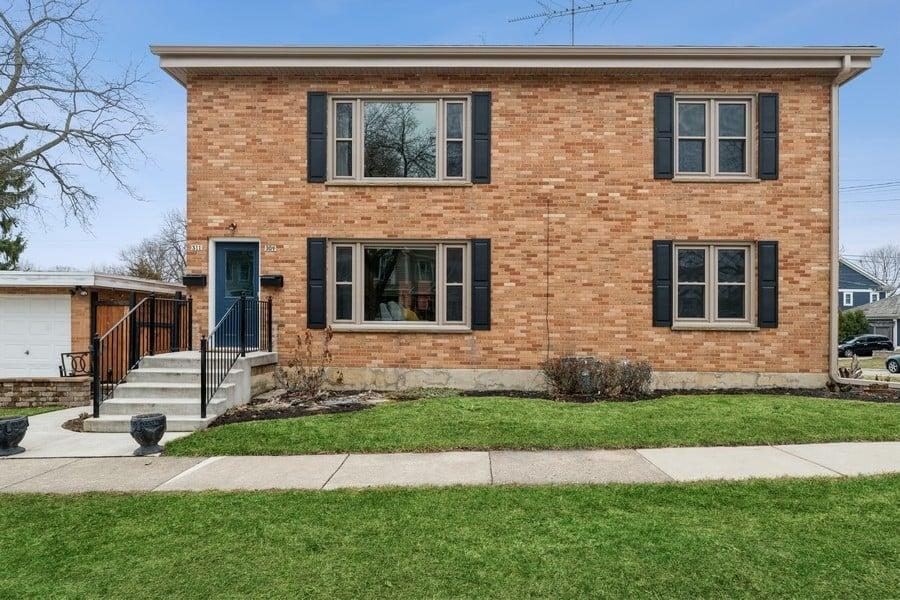 309 Grant Court Libertyville, IL 60048
