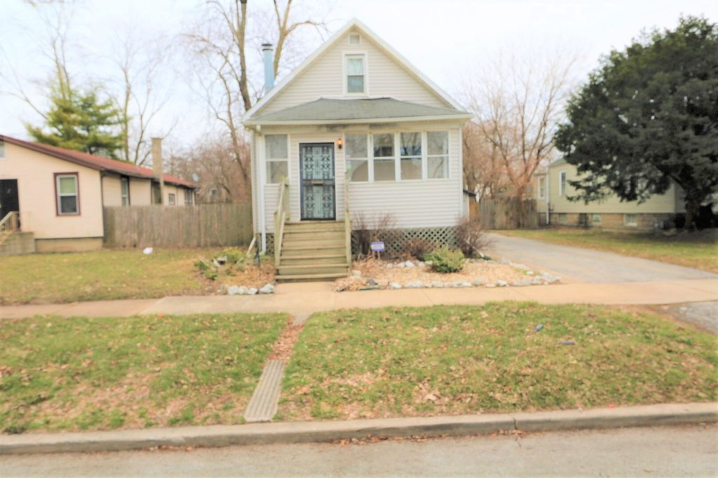 13921 S Atlantic Avenue Riverdale, IL 60827