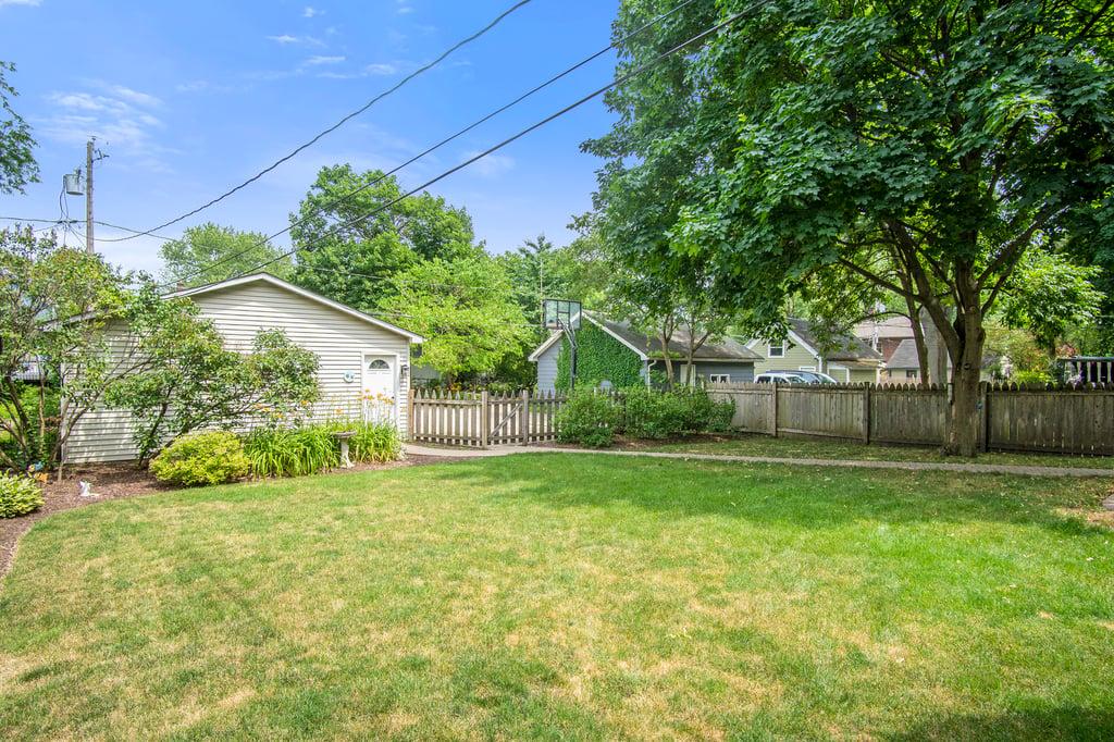 116 S Sleight Street,Naperville,IL-44345-33