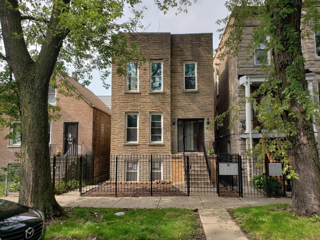 842 N Fairfield Avenue -2R Chicago, IL 60622