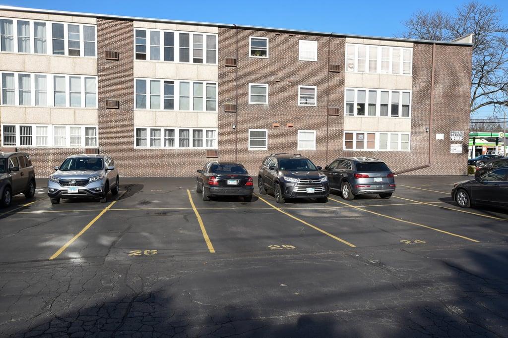 1333 W TOUHY Avenue,Park Ridge,IL-37563-26
