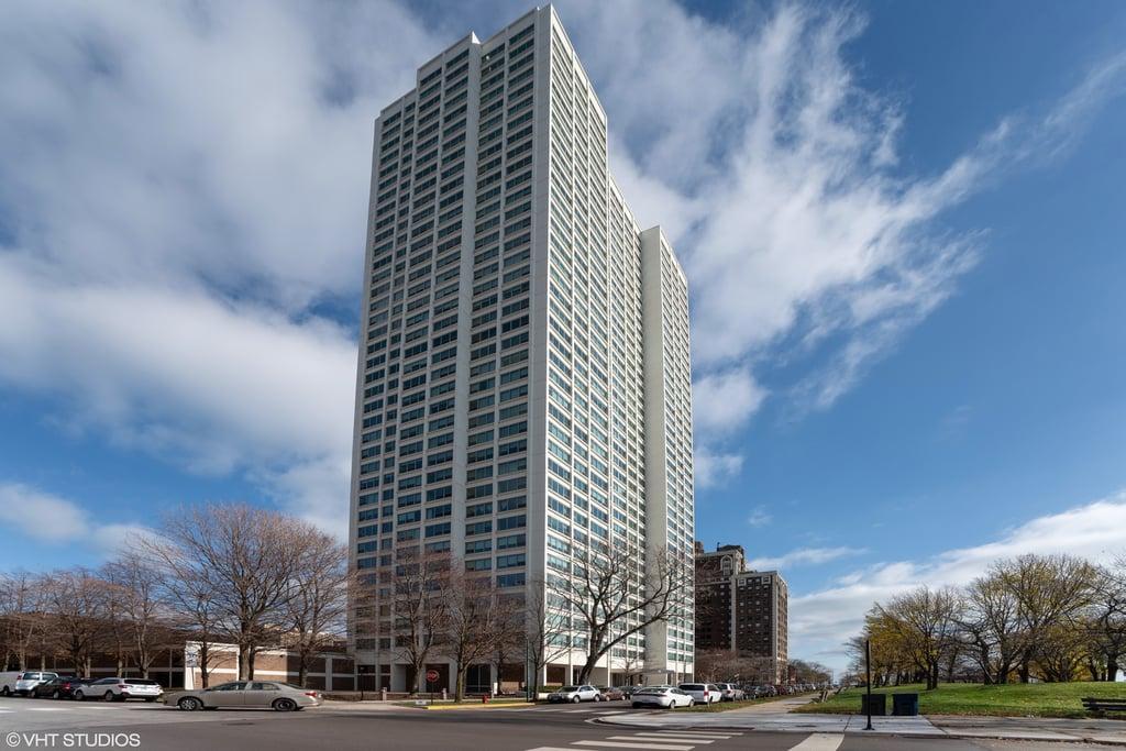 1700 E 56th Street -3604 Chicago, IL 60637