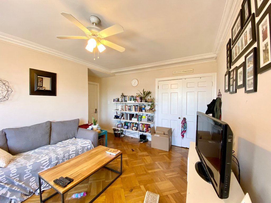 415 W Fullerton Parkway,Chicago,IL-37831-9