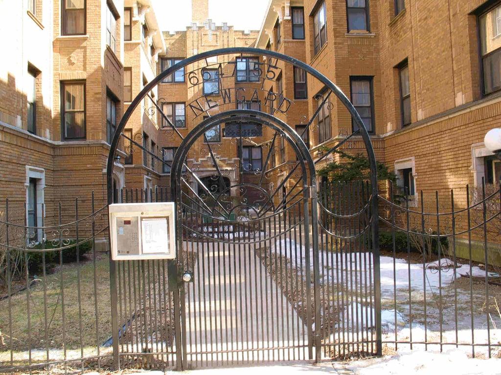 6649 N NEWGARD Avenue -1E Chicago, IL 60626