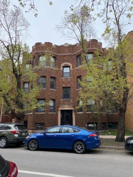 640 W ROSCOE Street -3W Chicago, IL 60613