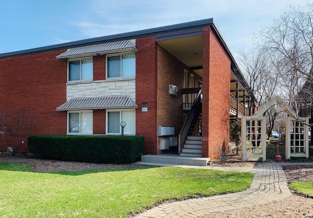 607 W Park Avenue -106 Libertyville, IL 60048