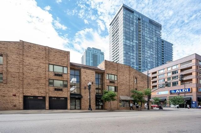 163 W Division Street -207 Chicago, IL 60610