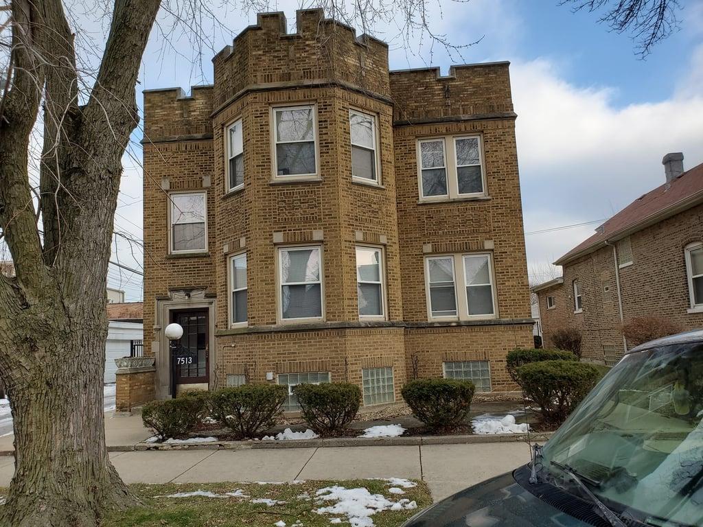 7513 S Eberhart Avenue -1 Chicago, IL 60619