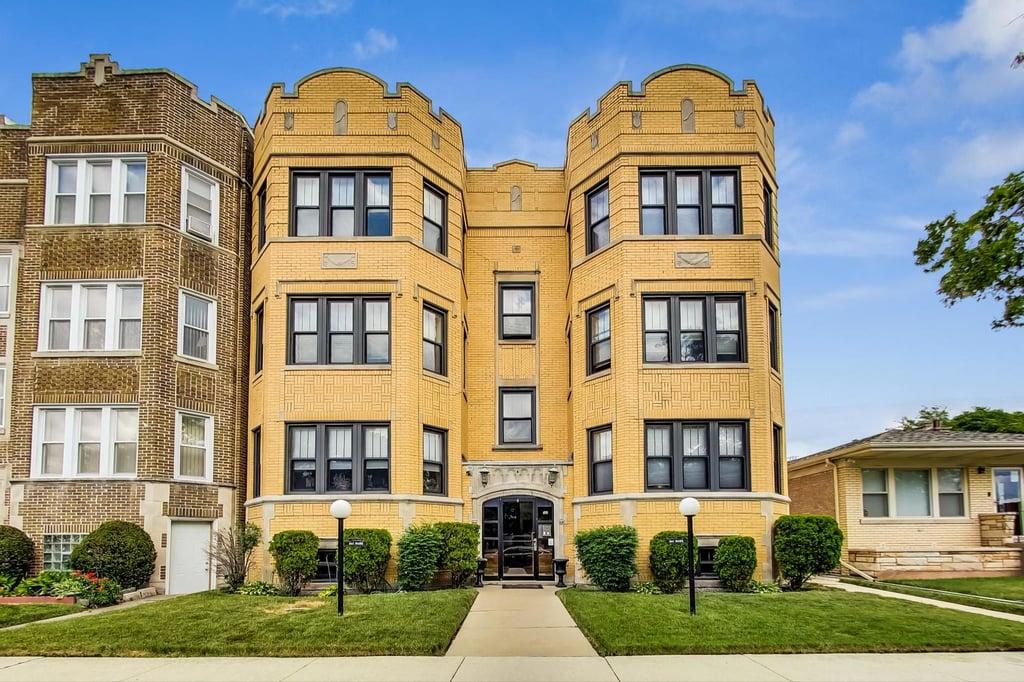 8147 S Prairie Avenue -1A Chicago, IL 60619