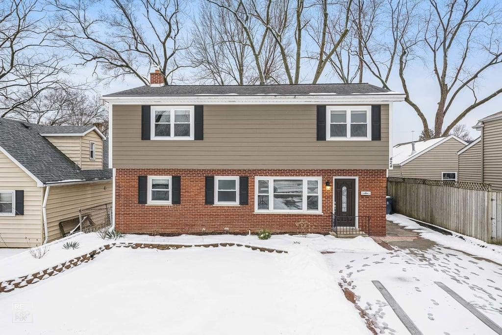424 W Avery Street Elmhurst, IL 60126