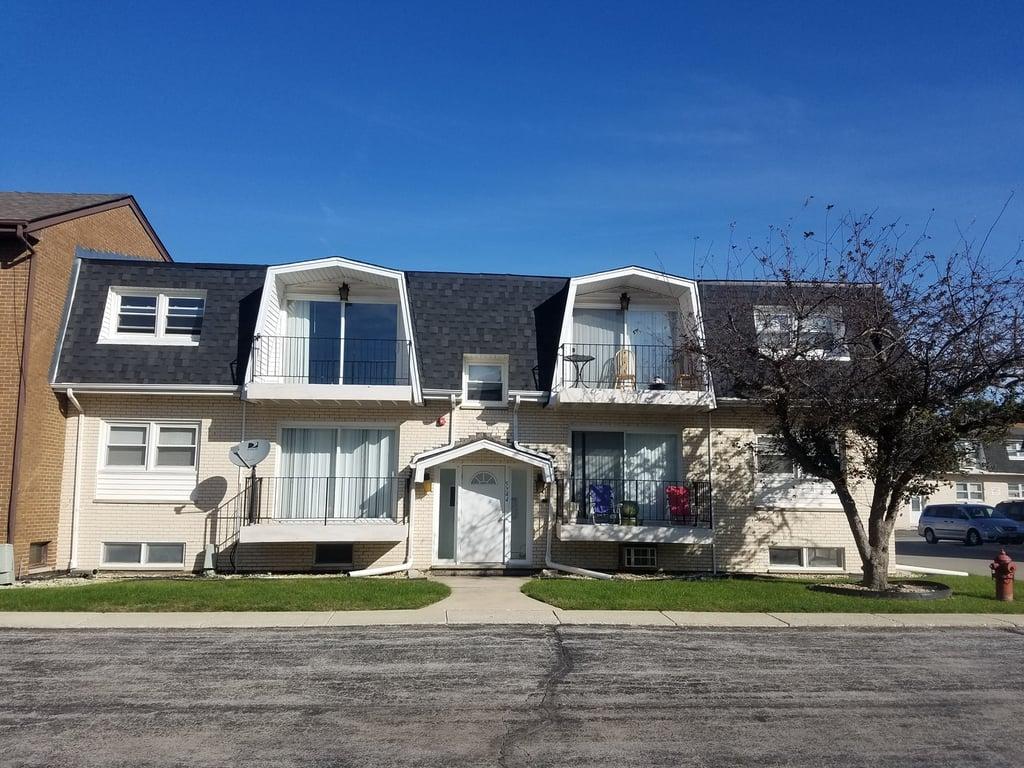 5744 Circle Drive -1E Oak Lawn, IL 60453