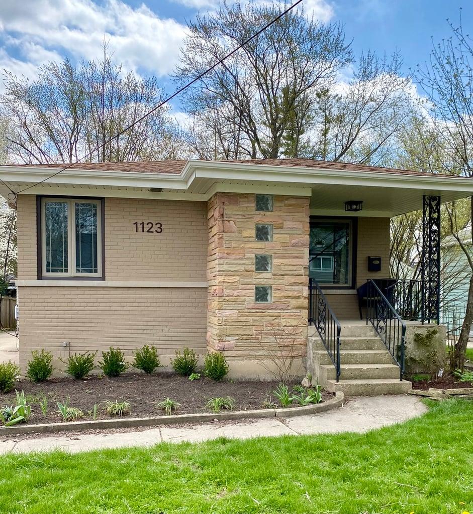 1123 Osterman Avenue Deerfield, IL 60015