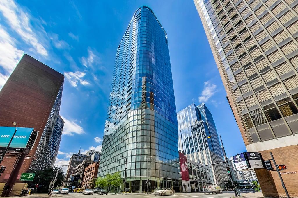 600 N Fairbanks Court -1507 Chicago, IL 60611
