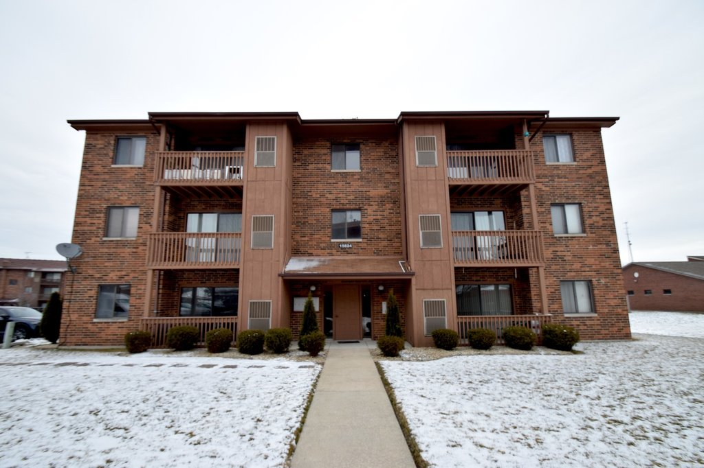 15824 Peggy Lane -2 Oak Forest, IL 60452
