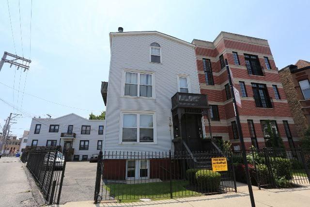 1115 W Patterson Avenue -3F Chicago, IL 60613