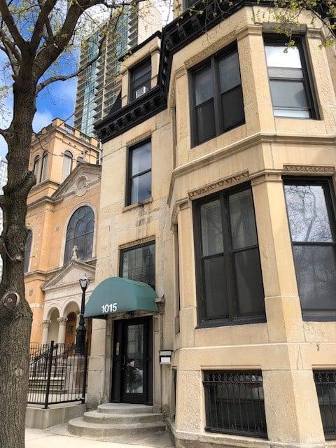 1015 N LaSalle Street -1R Chicago, IL 60610