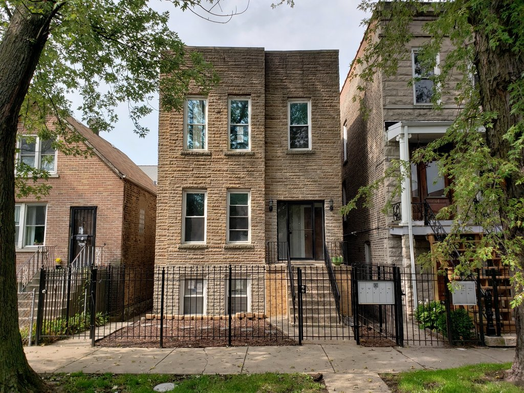 842 N Fairfield Avenue -2F Chicago, IL 60622