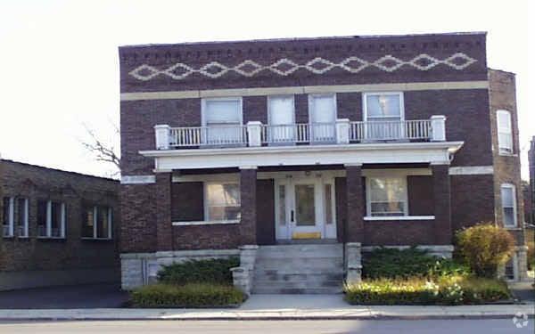 114 N Center Street -3 Joliet, IL 60435