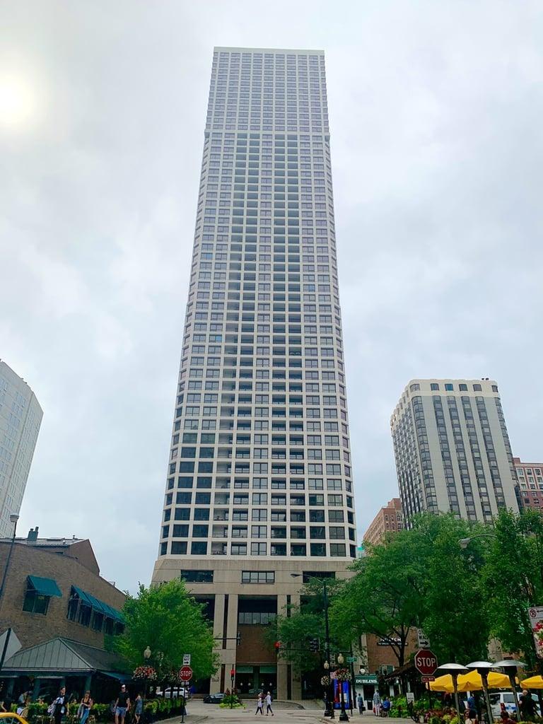 1030 N State Street -47J Chicago, IL 60610