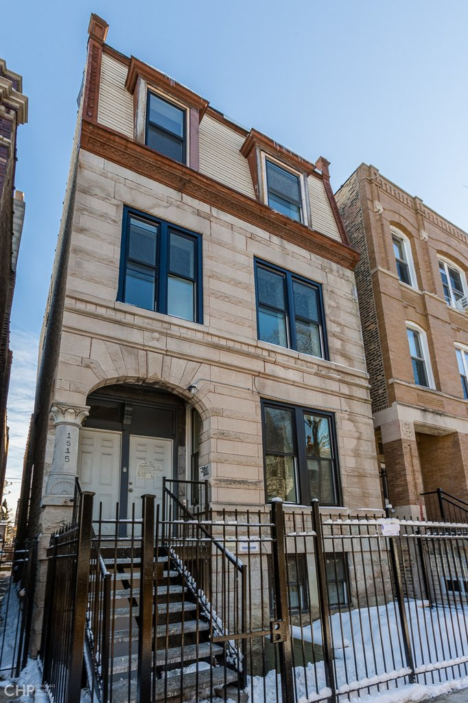 1515 N Rockwell Street -1E Chicago, IL 60622