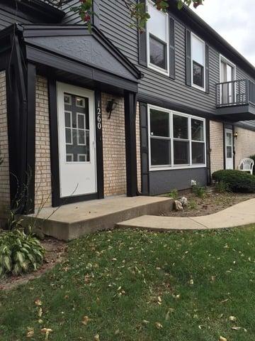 1260 INVERRARY Lane -1260 Deerfield, IL 60015