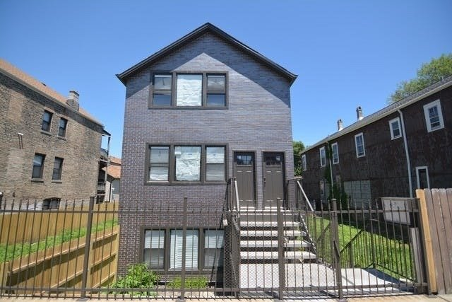 2104 W 18TH Place -GD Chicago, IL 60608