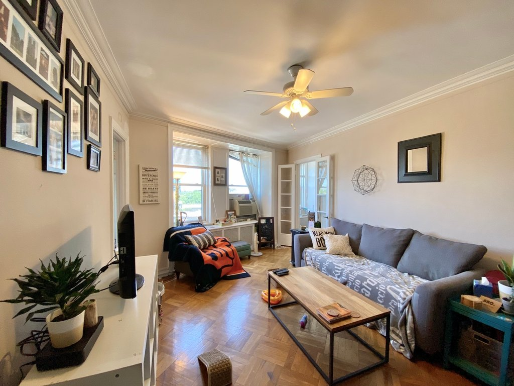415 W Fullerton Parkway,Chicago,IL-37831-2
