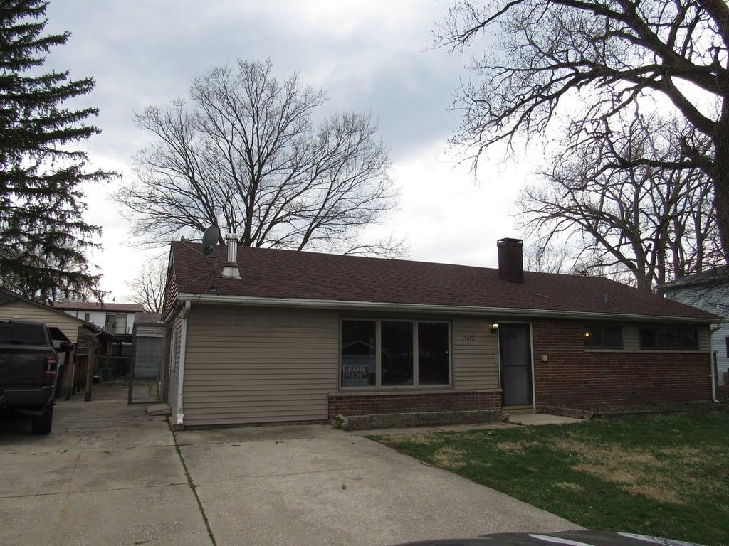 15652 Lawndale Avenue Markham, IL 60428
