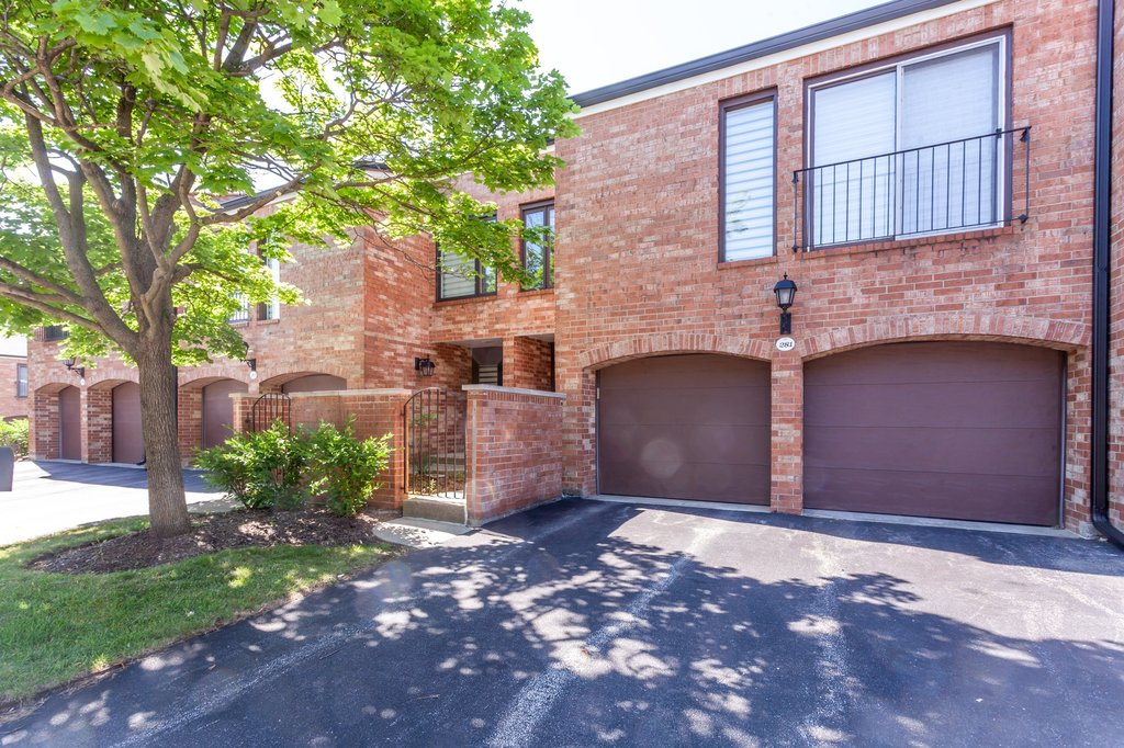 19w281 Paul Revere Lane Oak Brook, IL 60523
