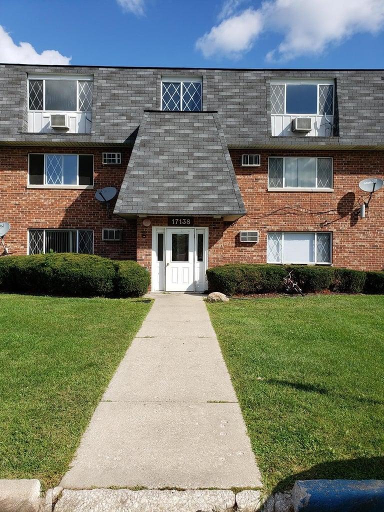 17138 71st Avenue -11 Tinley Park, IL 60477