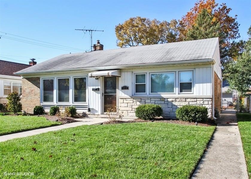 1912 S Fairview Avenue Park Ridge, IL 60068