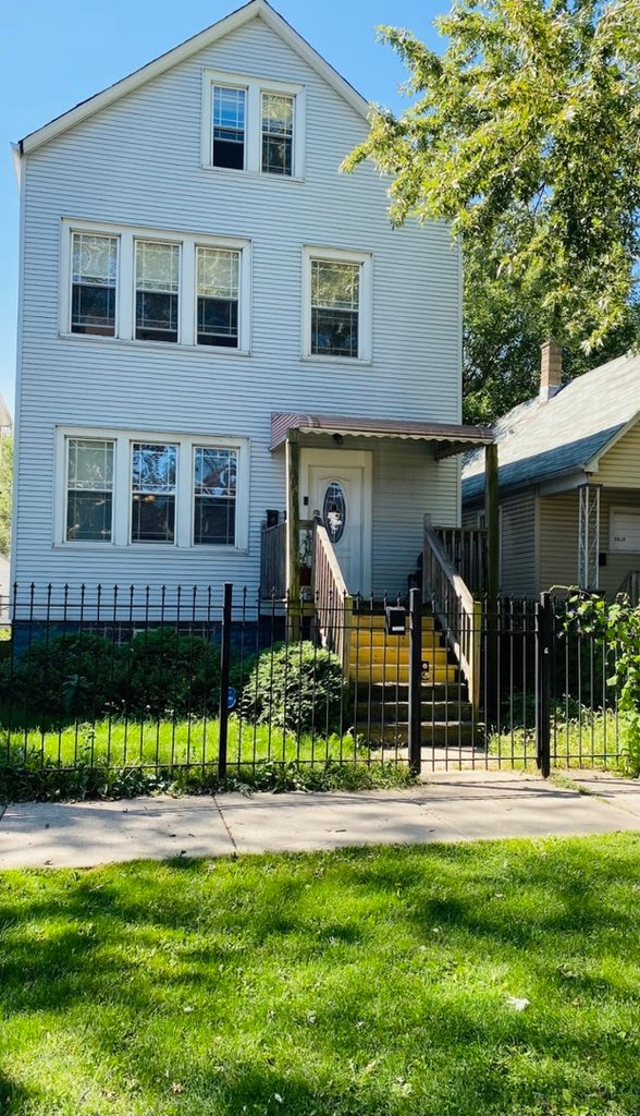 7034 S Rockwell Street -2 Chicago, IL 60629