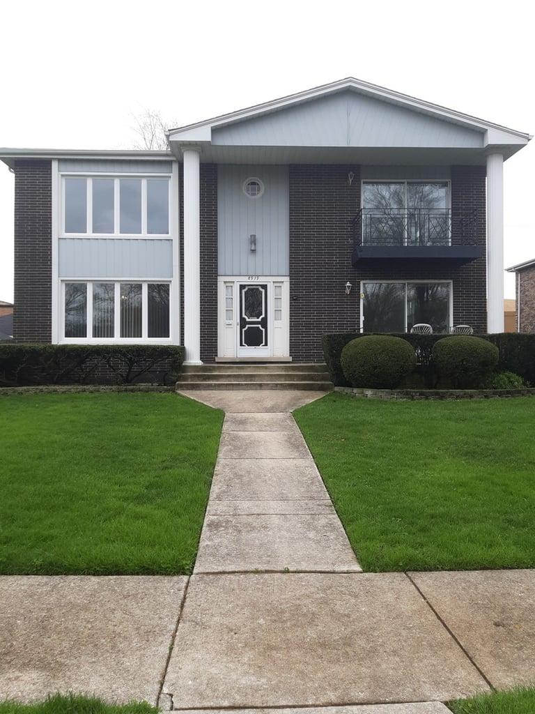 8919 W 97th Street W -2 Palos Hills, IL 60465