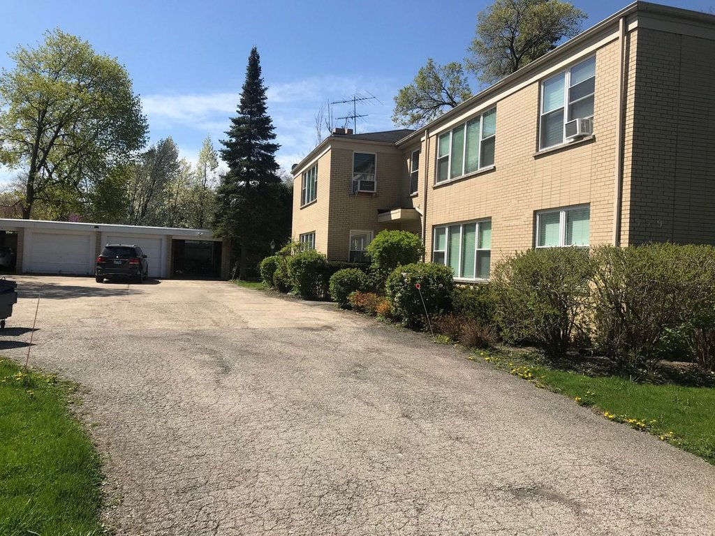 939 Deerfield Road -2S Deerfield, IL 60015