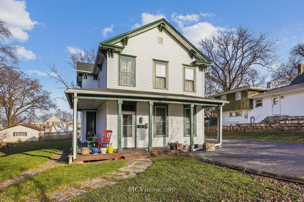 407 Holmes Street -2 Lemont, IL 60439