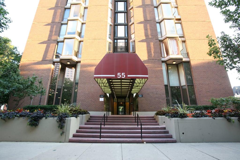 55 W Chestnut Street -302 Chicago, IL 60610