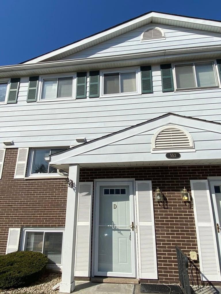 553 W Park Avenue -D Libertyville, IL 60048