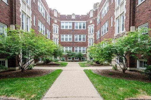 1065 W Glenlake Avenue -2 Chicago, IL 60660
