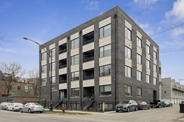 2303 W Wilcox Street -2S Chicago, IL 60612