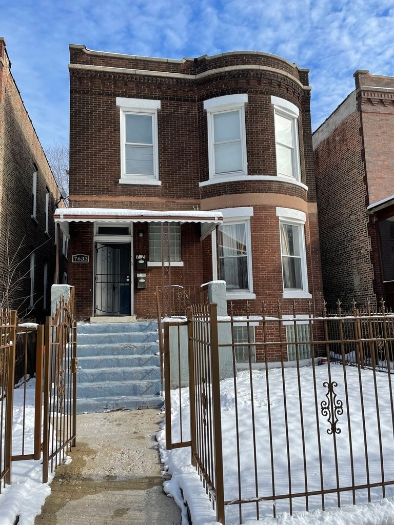 7633 S Lowe Avenue -1 Chicago, IL 60620